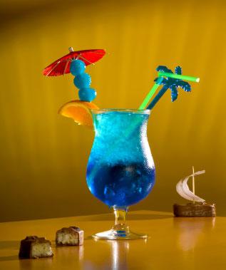 cocktails blue lagoon. Black Bedroom Furniture Sets. Home Design Ideas